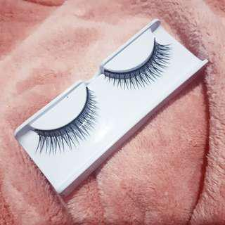NATURAL EYELASH 1/2 LUSIN