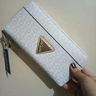 Guest Wallet (white)100% Original Negotiable