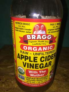 Cuka apel apple cider vinegar with the mother