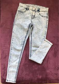 Blue acid wash jeggings