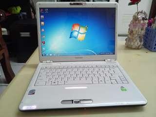 Toshiba 14.5inch/win7/4Gb Ram/icore2