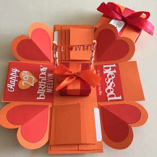 Elmo explosion box with gift box , 8 waterfall in orange and red