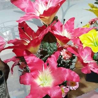 Terima pembuatan hand bouqet bunga papan dan dekorasi pernikahan🌷⚘🌱🌺🌻