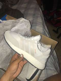 Adidas Iniki runner size 5.5Y