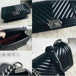 Chanel Boy Medium Classic Chevron Black