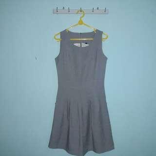Dress Abu-abu