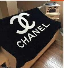 🚚 新款上架 香奈兒 克羅心 毛毯 空調毯 午睡毯 時尚百搭  130*150