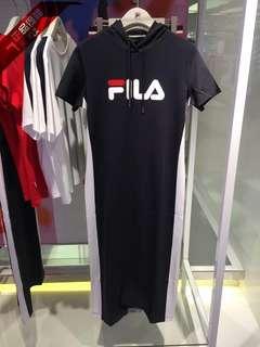 FILA 新款連帽修身連身裙 😍超顯身高腿長