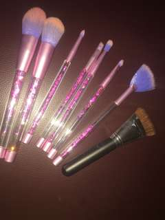 makeup brush (free contour brush)