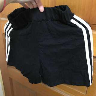 正韓 休閒 短褲 三條線 薄棉質 短褲 黑色 鬆緊褲頭