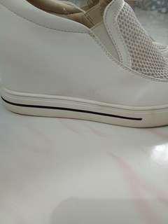Sneaker wedges full kulit