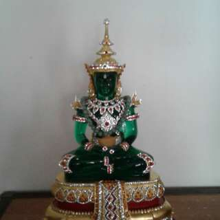 Crystal Emerald Buddha Statue