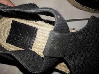 Sepatu cewe 90% baru