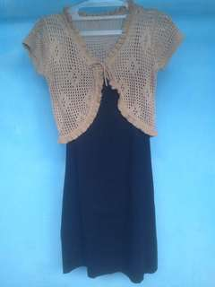 Dress hitam + cardigan