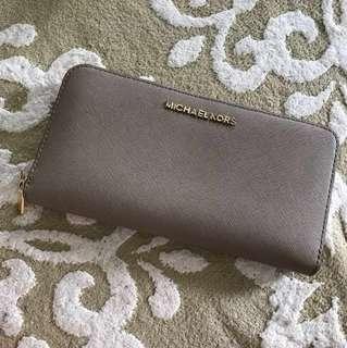 Michael kors long wallet zipper