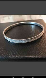 ( can swap)Silver Bangle