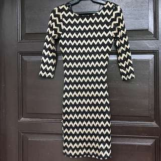 PRELOVED Forever 21 Black and Gold Bodycon Dress