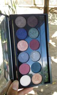 Eyeshadow Sleek seri enchanted forest