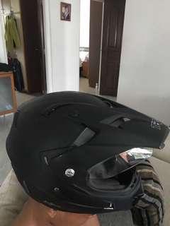 Trax Fullface helmet