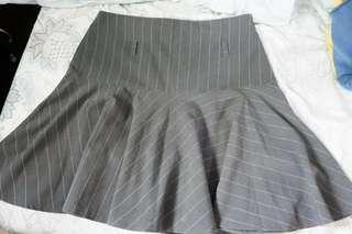 Dark Heather skirt