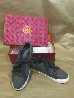 TORY BURCH : MARION QUILTED LACE-UP SNEAKER DOVESTONE