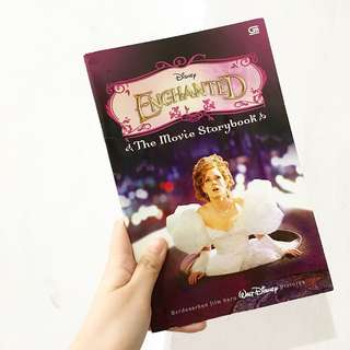 Enchanted - The movie storybook
