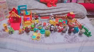 Little People Set 21 animals, 2 people 13 accessories like food and fence plus airport and circus car