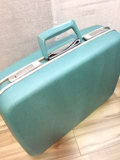 Fabulous Vintage / Retro Samsonite Suitcase - for Rental