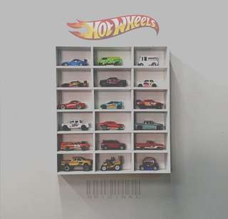 Hotwheels/light toys rack