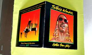 STEVIE WONDER . hotter than july. Vinyl record