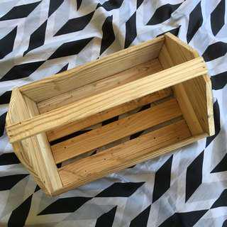 Crate box with handle