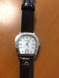 Aigner woman watch 90% new with 2 straps