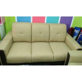 LEATHER SOFA 2+3 BEST OFFER PRICE!!