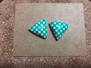 🚚 (阿嬤的飾品)綠色三角形大耳針