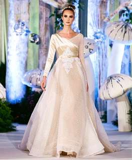 Bridal gown sample sale