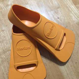 Marium蛙鞋