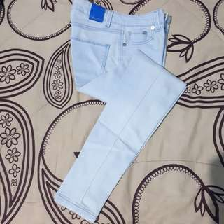 Stradivarius Cropped Fit In Blue