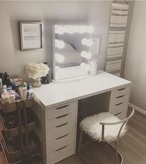 Sale Vanity table, frameless hollywood mirror and stool