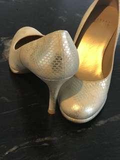 Branded shoes Stuart weitzman Authentic