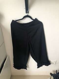 Black Pants fit to L - XL