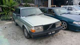 Volvo 240 year 1991 2.4 auto