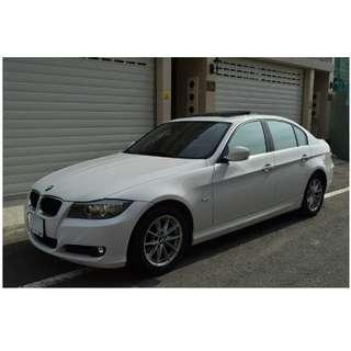 2009年    BMW   320I   白     ✅0頭款 ✅免保人✅低利率✅低月付 FB搜尋:阿源 嚴選二手車/中古車買賣