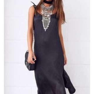 Beginning Boutique Bisou Black Dress
