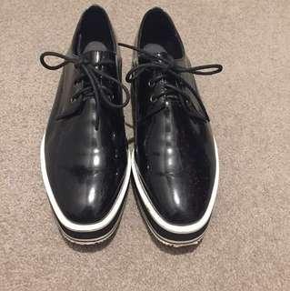 UGG Ozlana shoes