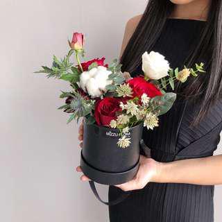 Fresh Flower Box   Birthday Flower   Anniversary Gift
