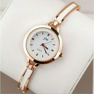 Elegant Stainless Steel Quartz Wristwatch