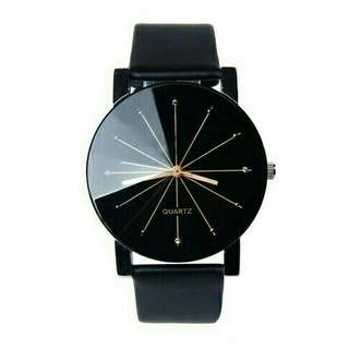 Leather Analog Quartz Movement Wristwatch