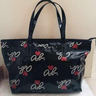 Agnes B 黑色ab愛心手挽袋 Agnes B Classic Black Bag