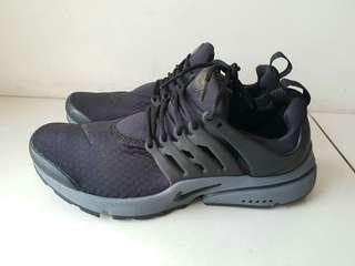 Nike air presto all black size 9