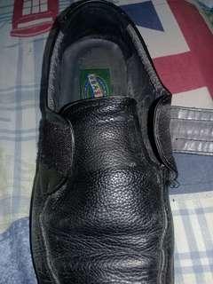 Sepatu Pantofel Murah